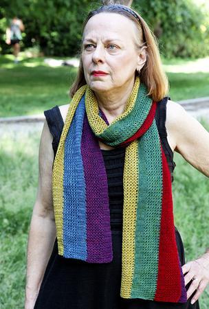 Give me Five scarf designed by Hélène Marcy